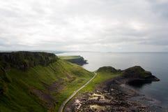 Jättes vägbank, norr Irland royaltyfria foton