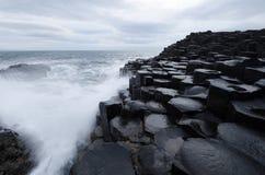 Jättevägbanken som är nordlig - Irland Arkivfoto