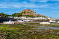 Jérsei do castelo de Gorey na maré baixa Fotografia de Stock