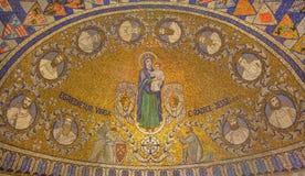 Jérusalem - la mosaïque de Madonna et avec douze clans de l'Israël dans l'abbaye de Dormition Image stock