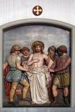 Jésus est dépouillé de ses vêtements, les 10èmes stations de la croix Photo libre de droits