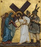 Jésus rencontre sa mère, les 4èmes stations de la croix Images stock