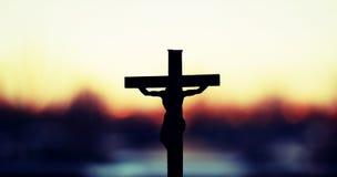 Jésus sur une croix Photographie stock