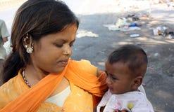 Jóvenes a ser una madre Imagenes de archivo