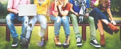 Jóvenes Team Together Cheerful Concept de los adolescentes Imagen de archivo