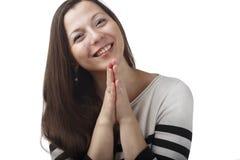 Júbilo alegre feliz da jovem mulher no presente positivo da notícia ou de aniversário, olhando a câmera com sorriso alegre e enca Imagem de Stock