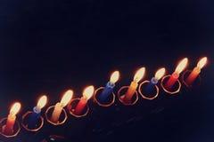 jüdischer Feiertag Chanukka-Hintergrund mit menorah u. x28; traditionelles candelabra& x29; und brennende Kerzen Stockfoto