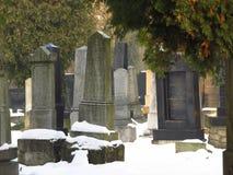 Jüdischer Kirchhof im Winter Stockfotos