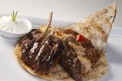 Język arabski mieszający piec na grillu mięso Zdjęcia Stock
