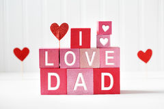 J'aime des textes de papa sur les blocs en bois Photo stock