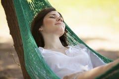 J'aime dormir dans un hamac images libres de droits