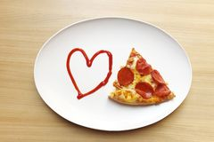 J'aime la pizza, coeur avec la pizza Image libre de droits