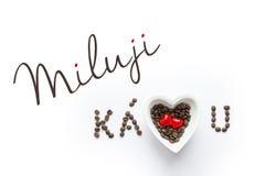 J'aime le café dans la République Tchèque - kava - kavu de miluji Image stock