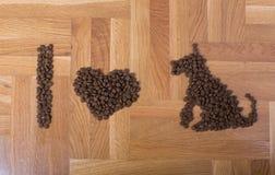 J'aime le texte de chiens des granules Photo libre de droits