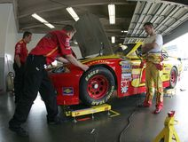 A.J. Allmendinger na área da garagem Fotografia de Stock