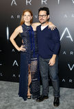J J Abrams och Amy Adams Royaltyfri Bild