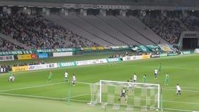 J-liga voetbalwedstrijd in Chofu stock footage