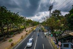 J P Rizal aveny i Makati, tunnelbana Manila, Filippinerna Royaltyfri Fotografi