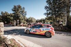 J Solans u. M Barreiro konkurrieren im 2019 WRC-Ausflug de Corse lizenzfreie stockfotografie