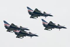 J-10 voyage en jet de l'équipe acrobatique aérienne de Bayi Images libres de droits