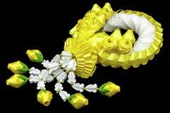 Jaśmin i żółte kwiat girlandy zdjęcie stock
