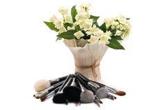 Jaśmin MakeUp muśnięcia ustawiający odosobniony Biały tło Zdjęcie Royalty Free