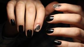Ja jest eleganckim manicure'em z wzorem czarny kolor Obraz Royalty Free