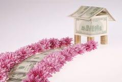 Ja jest kochany od dolarów i kwiaty zbliżają się dom Obraz Royalty Free