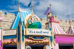 ` Ja ` s mała światowa ` przejażdżka przy Magicznym królestwem, Walt Disney świat Zdjęcie Royalty Free