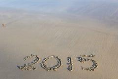 Jaar 2015 aantal op zandig strand wordt geschreven dat Royalty-vrije Stock Foto's