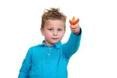 3 jaar de oude van het kindpunt oranje pen stock afbeelding