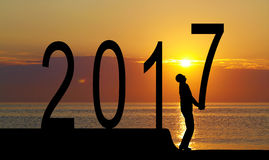 2017 jaar en silhouetmens Royalty-vrije Stock Foto