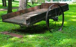 100-jaar Oude Wagen Stock Afbeeldingen