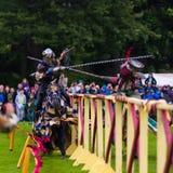Jaarlijkse Middeleeuwse jousting toernooien bij Linlithgow-paleis, Scotla stock afbeeldingen