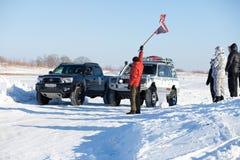 JABÁROVSK, RUSIA - 31 DE ENERO DE 2015: Comienzo del invierno del camino Fotos de archivo