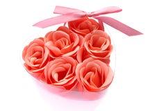 Jabón color de rosa del color de rosa en un rectángulo. Fotografía de archivo