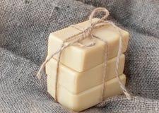 Jabón con el goat& x27; leche de s Fotos de archivo libres de regalías