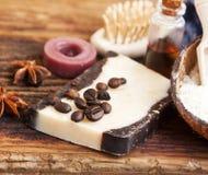 Jabón hecho en casa del café orgánico Imagen de archivo libre de regalías