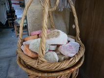 Jabón hecho a mano con una esponja Foto de archivo libre de regalías