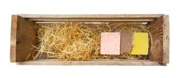 Jabón hecho a mano en caja de madera Fotos de archivo libres de regalías