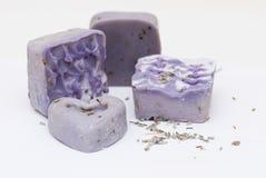 Jabón natural hecho en casa de la lavanda Fotografía de archivo libre de regalías