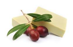 Jabón verde oliva fragante Fotos de archivo libres de regalías