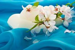 Jabón y flores Fotografía de archivo