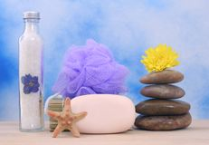 Jabón y piedras Imágenes de archivo libres de regalías