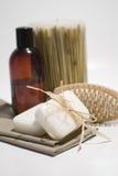 Jabón y toallas del BALNEARIO Imagen de archivo libre de regalías