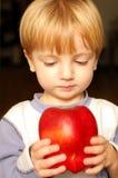 jabłczana chłopiec fotografia royalty free
