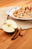 jabłczana cynamonowa owsianka Obraz Royalty Free
