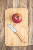 Jabłczana Nożowa ciapanie deska Obrazy Royalty Free