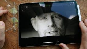 Jabłczanego iPad Pro spotkanie kreatywnie umysły za opowieści oglądać zdjęcie wideo