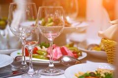 jabłczanej tło bankiet koszykowej winogron ogniska pomarańczowe sałatki owocowe soku tabele tartlets Obraz Stock